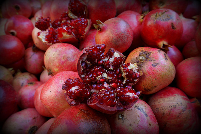 Pomegranates for freshly squeezed pomegranate juice.