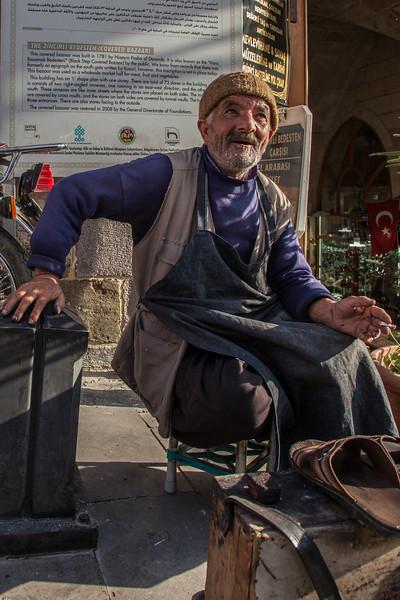 Shoe shiner, Gaziantep, Turkey