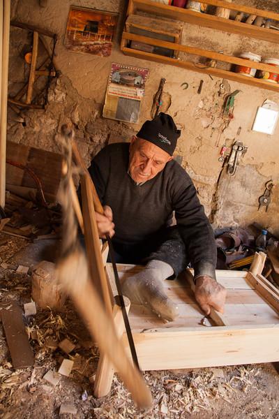 Cradle maker, Mardin, Turkey