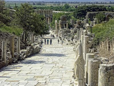 ephesus-ruins-walkway-2