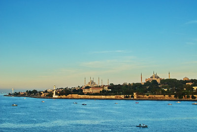 Istanbul_2Mosques_Sailaway_WCW5330
