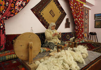 Visit at corporative carpet factory i Turkey. Photo: Martin Bager.