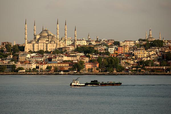 The Blue Mosque, Sultanahmet Camii, Bosporus Strait, Sea of Marmara, Istanbul, Turkey