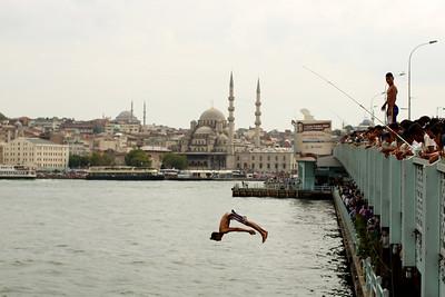 New Mosque, Galata Bridge, Galata Köprüsü, Bosporus Strait, Istanbul, Turkey