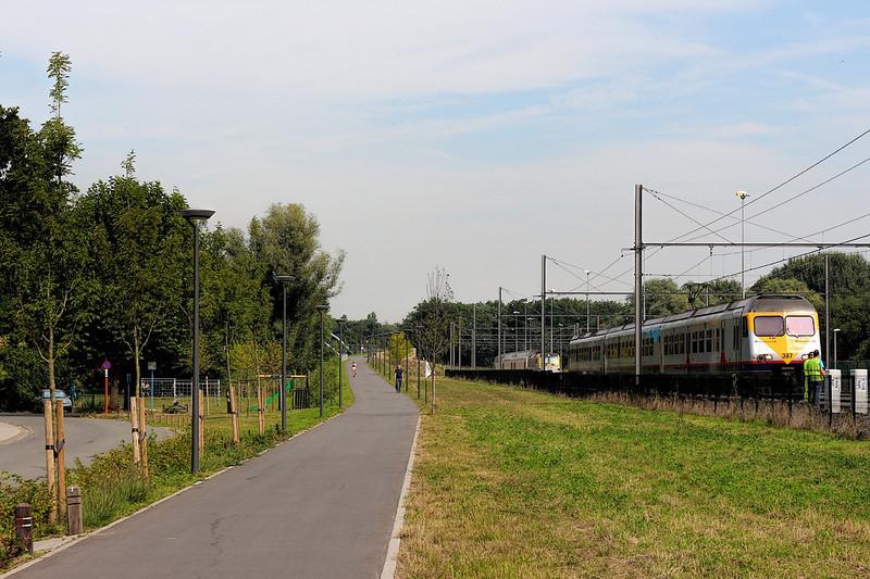 Je kan vertrekken vanaf het station van Turnhout, van daaruit reden er ooit nog stoomtreinen richting Nederland.