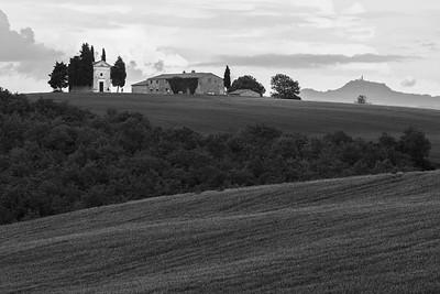 Cappella Madonna di Vitaleta & Fortezza di Radicofani, Tuscany, Italy