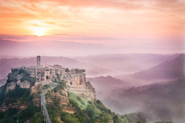 Civita di Bagnoregio, panorama vue at sunset