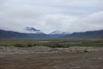 Original.  Looking up the Atigun valley, toward Atigun Pass.  August 10, 2008