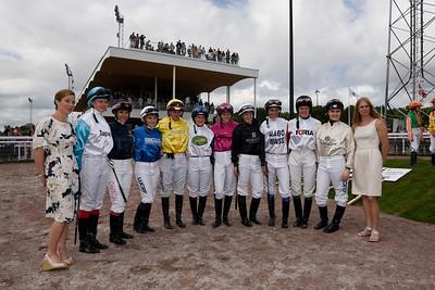 Deltagarna i Female Jockey Challenge | Bro Park 160619 | Foto: Stefan Olsson / Svensk Galopp