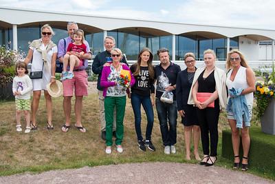 Prisutdelning i Coulonces Sales 3-årslöpning Bro Park 170802 Foto: Elina Björklund / Svensk Galopp