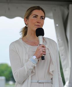 Riksidrottsförbundets ordförande, Karin Mattsson Weijber invigningstalade | Gärdet 140606 | Foto: Stefan Olsson / Svensk Galopp