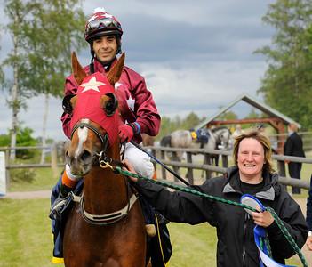 Sakba tillsammans med Martin Rodriguez och tränare Camilla Nilsson | Göteborg 120603 | Foto: Stefan Olsson / Svensk Galopp