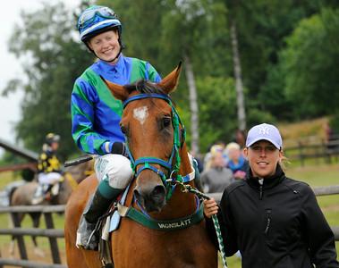 W Catchcash och Anna Pilroth   Göteborg 140713   Foto: Stefan Olsson / Svensk Galopp