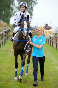 Mesh Love och Josefin Landgren tillsammans med Sabina Karlsson   Göteborg 140713   Foto: Stefan Olsson / Svensk Galopp
