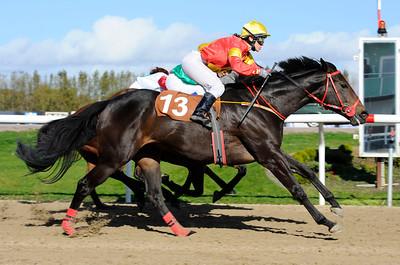 Bien Vestida vinner med Sara Slot | Jägersro 111012 |  Foto: Stefan Olsson / Svensk Galopp