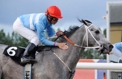 Sir Freddie vinner med Valmir de Azeredo | Jägersro 120602 | Foto: Stefan Olsson / Svensk Galopp