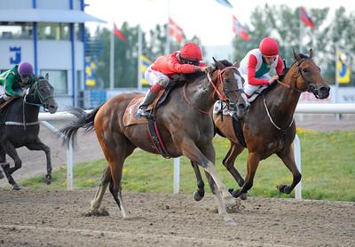 Cat of Egypt och Elione Chaves vinner före Alabama | Jägersro 120630 | Foto: Stefan Olsson / Svensk Galopp
