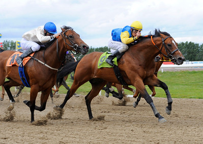 Light The Fire vinner med Per-Anders Gråberg | Jägersro 120715 |  Foto: Stefan Olsson / Svensk Galopp