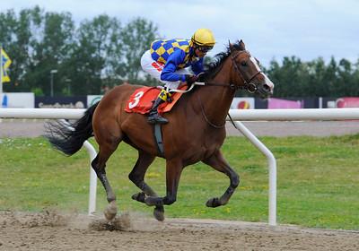 Windy Gap vinner med Dayverson De Barros | Jägersro 130710 | Foto: Stefan Olsson / Svensk Galopp