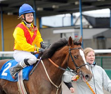 Deloria och Sabina Karlsson | Jägersro 131204 | Foto: Stefan Olsson / Svensk Galopp
