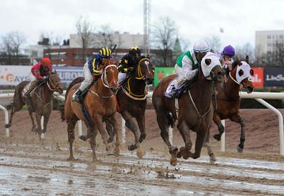 Whatyoucallit vinner med Martin Rodriguez | Jägersro 131204 | Foto: Stefan Olsson / Svensk Galopp