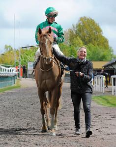 Herald tillsammans med Max W Friberg och tränare Helen Nilsson | Jägersro 130507 | Foto: Stefan Olsson / Svensk Galopp