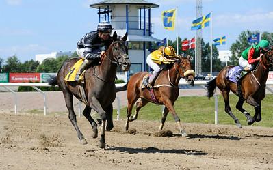 Captain Swift vinner med Oliver Wilson | Jägersro 140723 | Foto: Stefan Olsson / Svensk Galopp