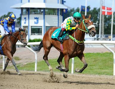 Spirit of Life vinner med Elione Chaves | Jägersro 140820 | Foto: Stefan Olsson / Svensk Galopp