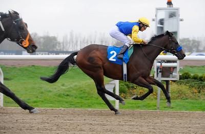 Lindaspiel vinner med Carlos Lopez | Jägersro 141029 | Foto: Stefan Olsson / Svensk Galopp