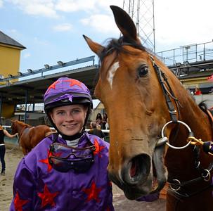 Lärlingen Annie Nilsson Lindahl tog sin första seger med Laniakea | Jägersro 150610 | Foto: Stefan Olsson / Svensk Galopp