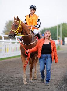 Cavorting tillsammans med Elione Chaves och Liz-Marie Åkerberg | Jägersro 150924 | Foto: Stefan Olsson / Svensk Galopp