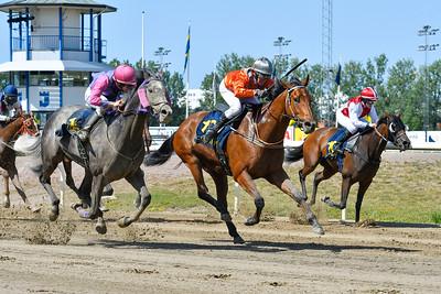 Enge River vinner med Charlotta Ericsson  Jägersro 190724 Foto: Stefan Olsson / Svensk Galopp