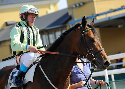 Oversteer och Manuel Santos  Jägersro 110424  Foto: Stefan Olsson / Svensk Galopp