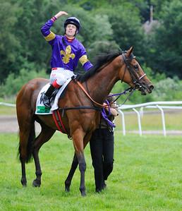 Tigress Eleven och Nicolaj Stott | DANSK DERBY |  Klampenborg 110626  Foto: Stefan Olsson / Svensk Galopp