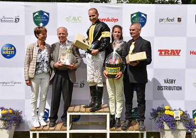 Prisutdelning i Jockeyklubbens Novishäcklöpning | Strömsholm 160611 | Foto: Stefan Olsson / Svensk Galopp