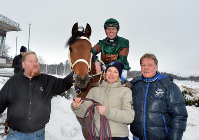 Mutaaleq i vinnarcirkeln | Täby 130210 | Foto: Stefan Uppström