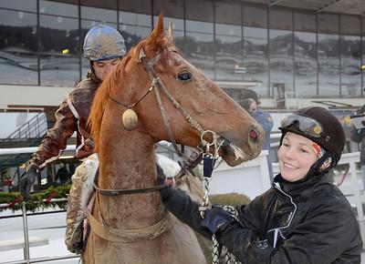 Constable Country tillsammans med tränare Karin Lindberger Gajda   Täby 111218    Foto: Stefan Olsson / Svensk Galopp