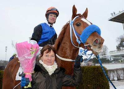 Ale Alejandro tillsammans med Katharina Stenefeldt och Jacob Johansen | Täby 120115 |  Foto: Stefan Olsson / Svensk Galopp
