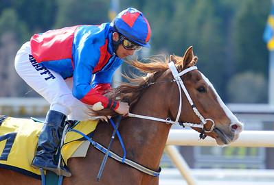 Wilmer Walewski vinner med Rafael De Oliverira | Täby 120408 |  Foto: Stefan Olsson / Svensk Galopp