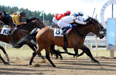 Hortensia vinner med Maria Sandh | Täby 120415 |  Foto: Stefan Olsson / Svensk Galopp