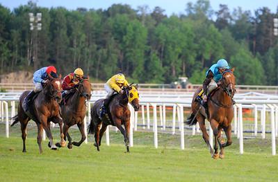 The Kicker vinner med Lennart Hammer | JOCKEYKLUBBENS JUBILEUMSLÖPNING | Täby 120605 |  Foto: Stefan Olsson / Svensk Galopp