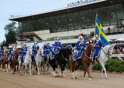 Beridna Högvakten inviger Cup-dagen | Täby 120909 |  Foto: Stefan Olsson / Svensk Galopp