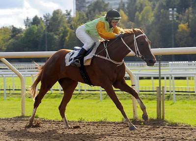 Rich and Famous vinner med Elin Borén   Täby 120930    Foto: Stefan Olsson / Svensk Galopp