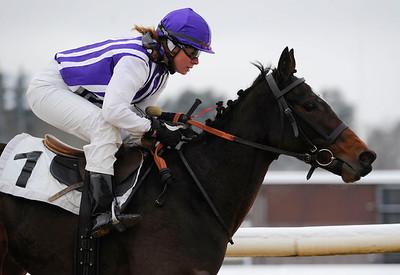 Possibly vinner med Ninni Westerlund   Täby 121212   Foto: Stefan Olsson / Svensk Galopp