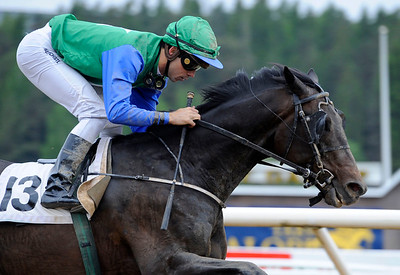 Proud Cash Flow vinner med Rafael Schistl | Täby 130529 |  Foto: Stefan Olsson / Svensk Galopp