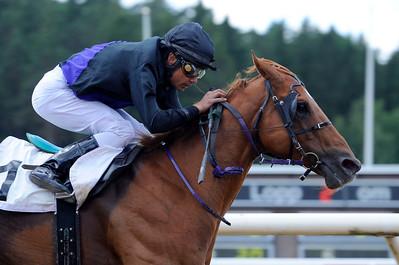 Avestruz vinner med Carlos Lopez | Täby 130703 |  Foto: Stefan Olsson / Svensk Galopp