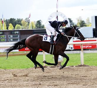 Thomahawkie vinner med Fabienne De Geer | Täby 140504 | Foto: Klara Röstlund / Svensk Galopp