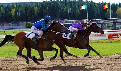 Neira Royal vinner med Elione Chaves | Täby 140504 | Foto: Klara Röstlund / Svensk Galopp