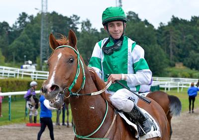 Ever So Clever och Shane Karlsson | Täby 150729 | Foto: Stefan Uppström / Svensk Galopp