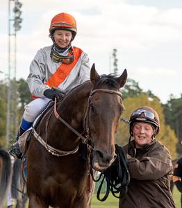Sugar Ray och Rebecca Colldin tillsammans med Lotta Lien | Täby 151007 | Foto: Elina Björklund / Svensk Galopp